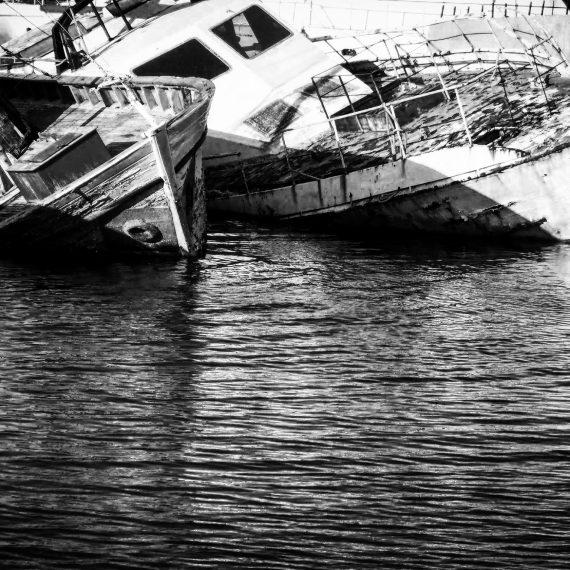 sleeping boats, Salamina (2013)